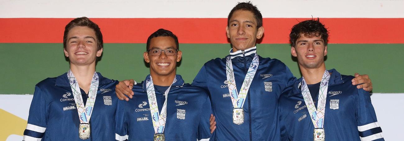Brasil soma 49 medalhas em dois dias de Natação