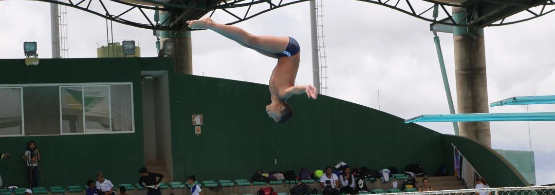 Associação Salto para o Futuro larga na frente no primeiro dia do Brasileiro Interclubes de saltos ornamentais