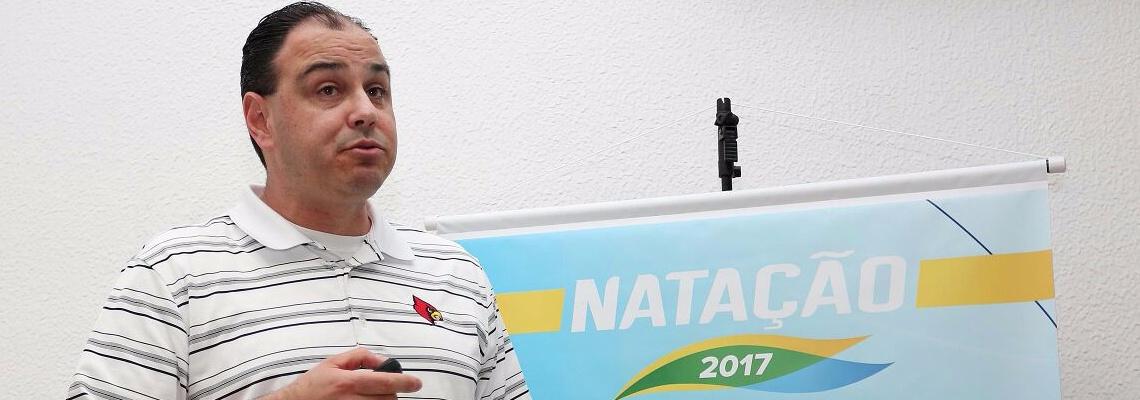 Natação - Técnico dos Estados Unidos, Arthur Albiero ministra palestra para treinadores brasileiros