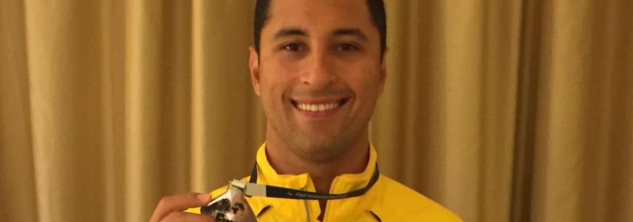 Felipe Lima conquista ouro e prata na Copa do Mundo de Natação