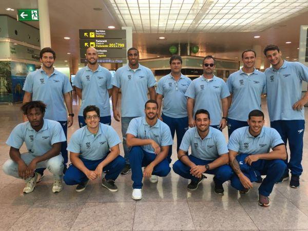 De olho no Pré-Olímpico, Seleção brasileira desembarca em Barcelona para finalizar preparação