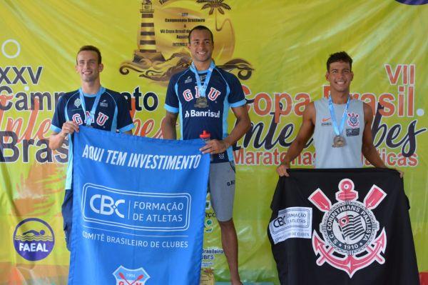 Fernando Ponte e Carol Hertel vencem prova de 10 km do Campeonato Brasileiro de Maratonas Aquáticas