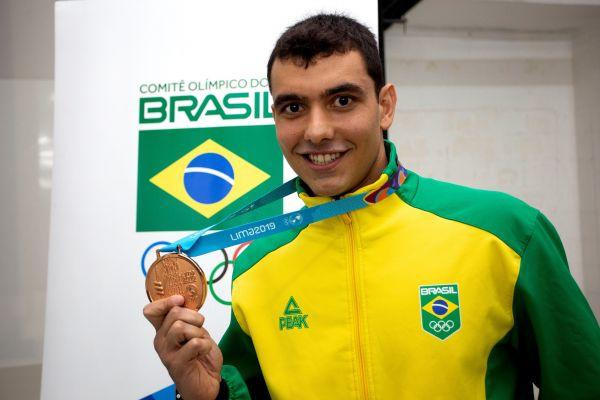 Victor Colonese recebe bronze dos Jogos Pan-americanos Lima 2019 após sete meses de espera