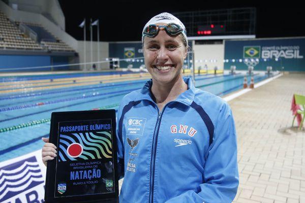 Viviane Jungblut nada para o índice e garante vaga para os Jogos Olímpicos de Tóquio