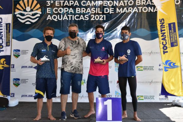 Bruce Hanson Almeida e Carol Hertel vence prova de 5 km do Campeonato Brasileiro de Maratonas Aquáticas