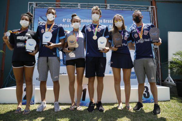 Viviane Jungblut e Luiz Loureiro vencem prova de 10 km da 4ª Etapa do Campeonato Brasileiro