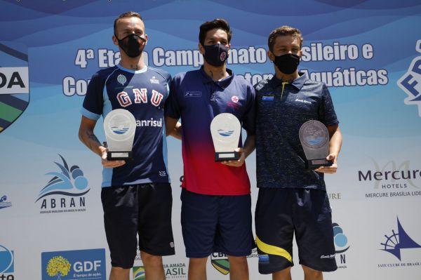 Viviane Jungblut e Bruce Hanson são campeões da prova de 5 km do Campeonato Brasileiro de Maratonas