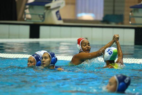 Brasil vence Uzbequistão e avança à próxima fase do Mundial Jr de Polo Aquático feminino
